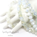 40pcs)Sparkling milky glass beads