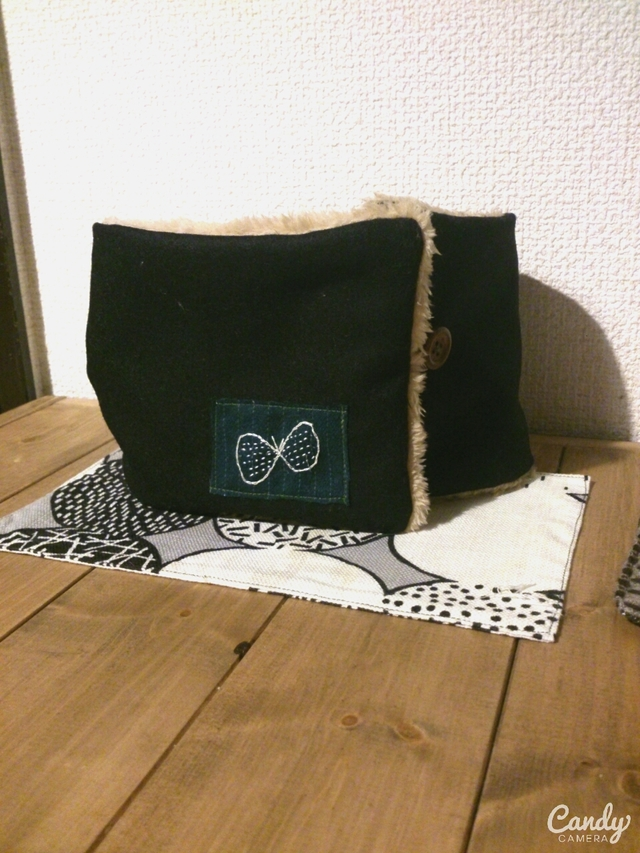 ウール蝶々刺繍ネックウォーマー(ブラック)