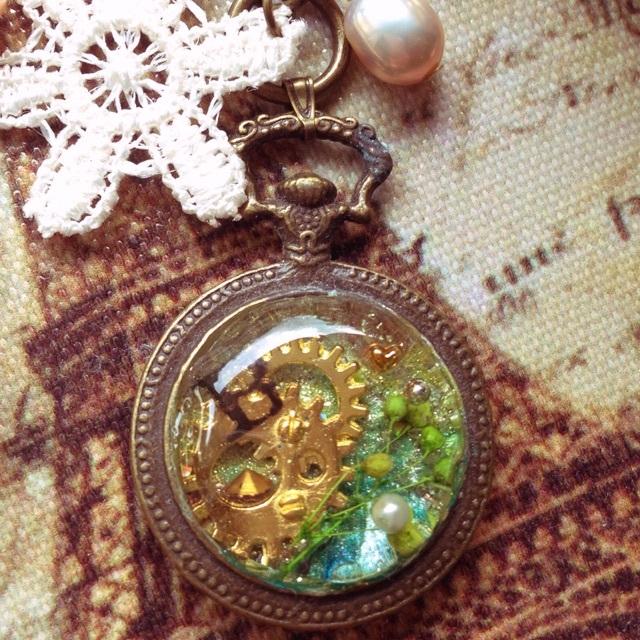 霞草の懐中時計キーホルダー(B)