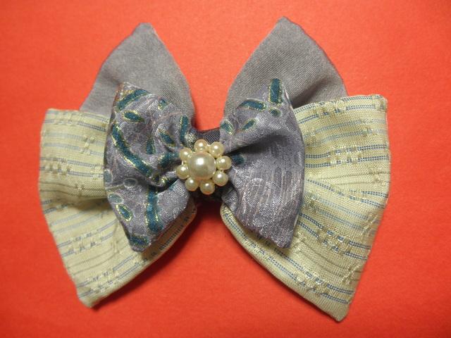 白と紫のバレッタ「淡粧(沖縄伝統的織物ベース)」