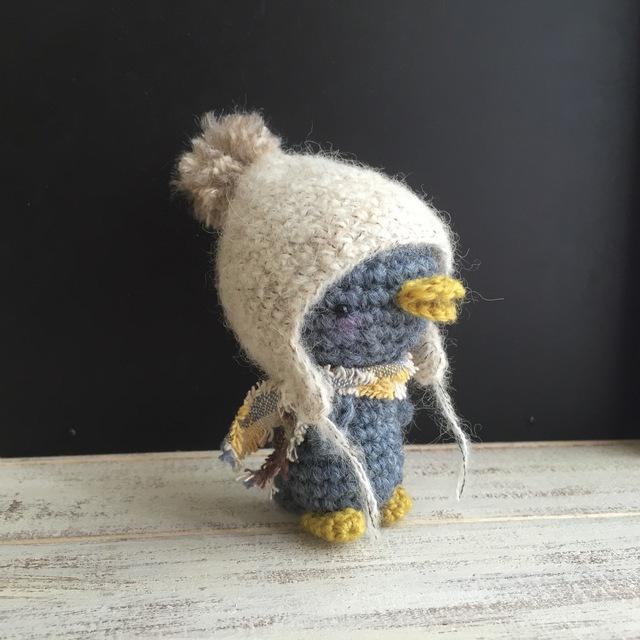 ふわふわ帽子のペンギン