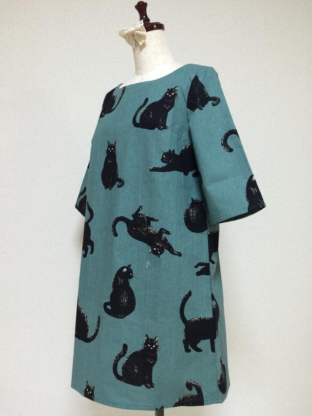 こなまいきな黒猫:五分袖ワンピース:リーフグリーン