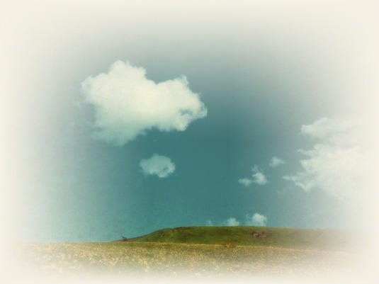 和紙アートフォト【白い雲と黄花の丘】