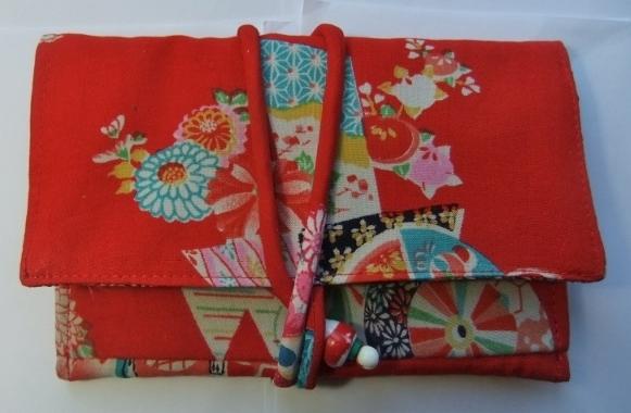 着物リメイク 女の子の着物で作った和風財布 661