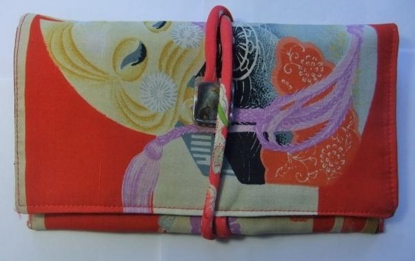 着物リメイク 羽織の裏地で作った和風財布 669
