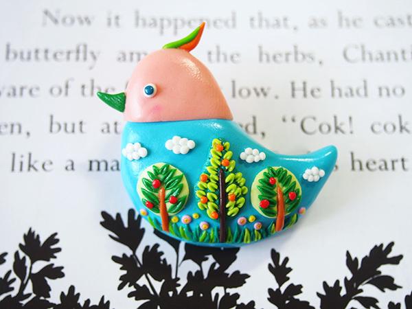 小鳥のブローチ(青空)