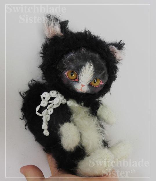 フェイスタイプドール*猫(黒×白 イエローゴールドアイ)