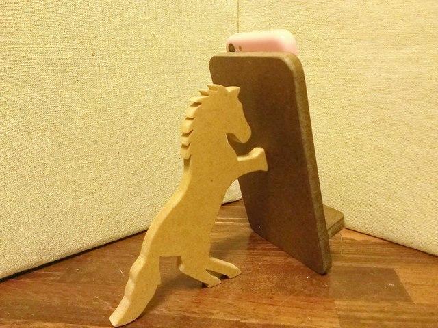 馬が支える携帯・スマホスタンド 濃茶