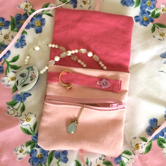 リボン刺繍 ミニアクセサリーポーチ
