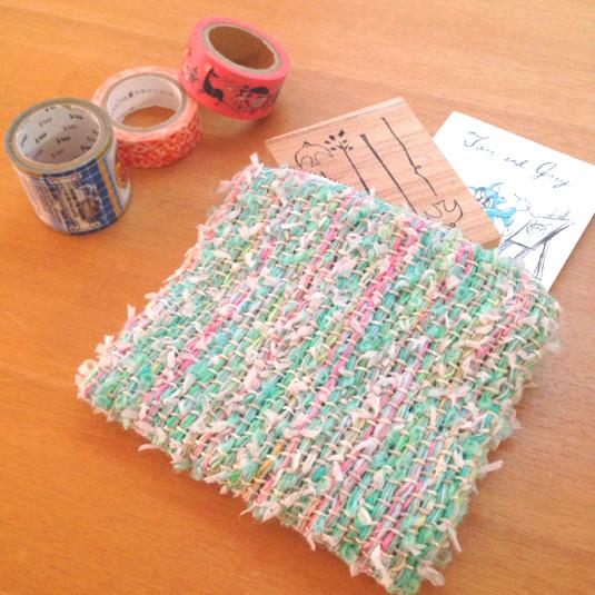 パステルグリーン 引き揃え糸のポーチ