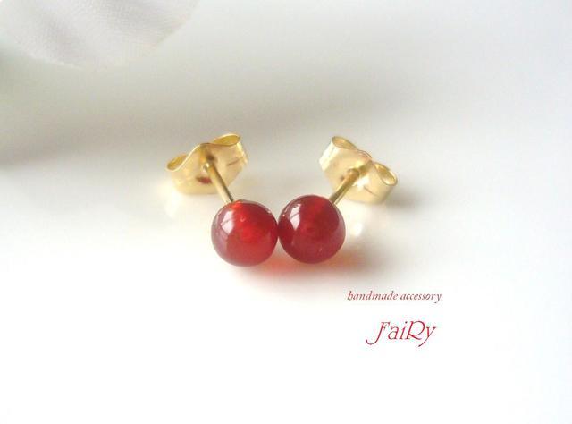 【Mini】ヒトツブノアカ pierced earring