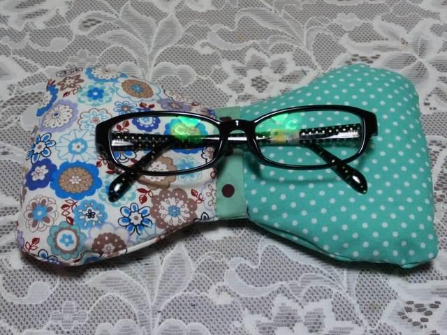 ふわもこリボン型眼鏡置き(グリーン)