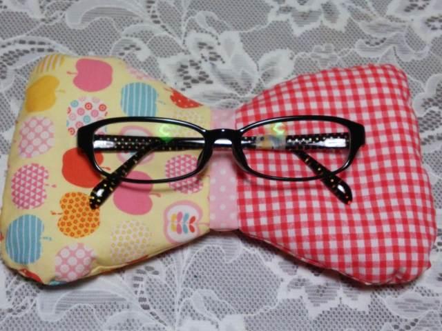 ふわもこリボン型眼鏡置き(レッド)