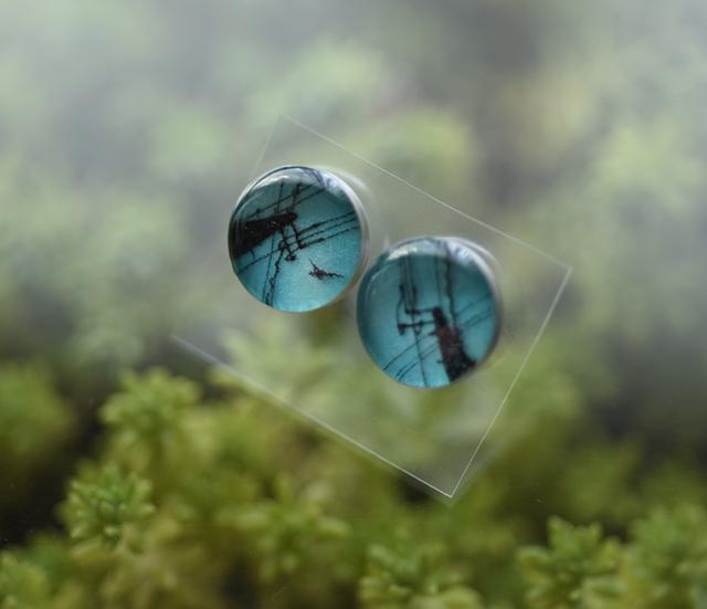 ちいさなピアス103/青空の電柱