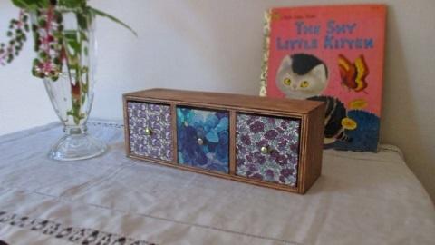 リバティ引き出し木製飾り棚/パープル系