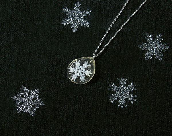 浪漫標本「雪花〜琥珀〜」 携帯標本ペンダント/星