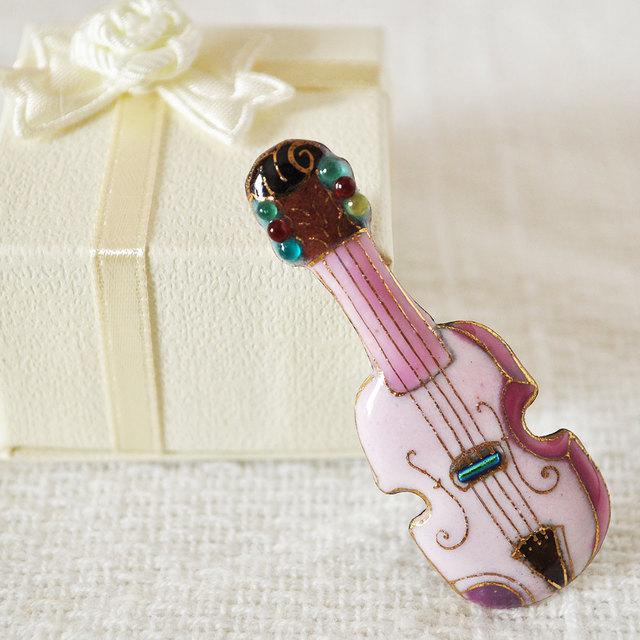 七宝焼ピンブローチ(ピンバッジ,ピンズ) バイオリン(ピンク)