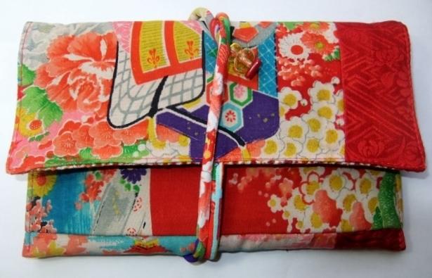 花柄の着物と紅絹で作った和風お財布 687