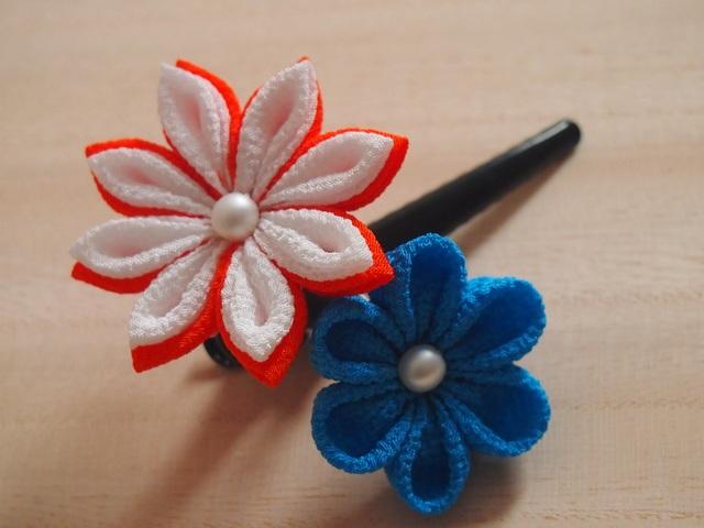 つまみ細工 2輪のヘアピン 朱×青
