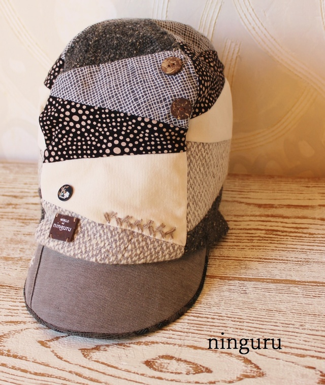 モノクロ×ドットの 背高帽子