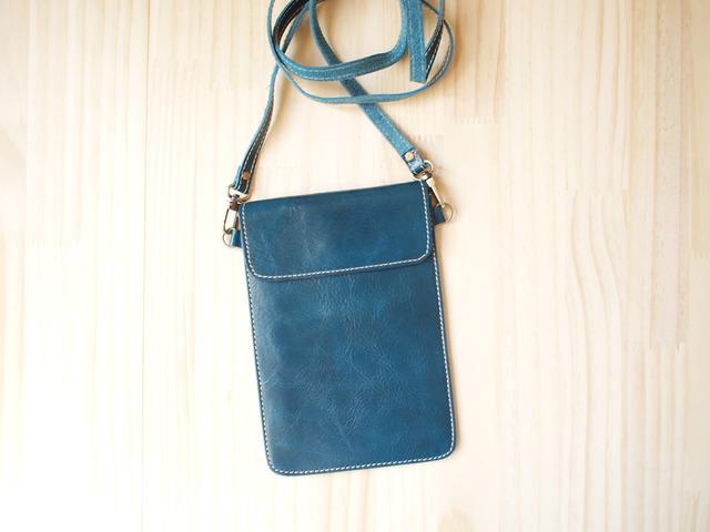�ѥ��ݡ��ȥХå� Travel Passport leather bag, BLUE