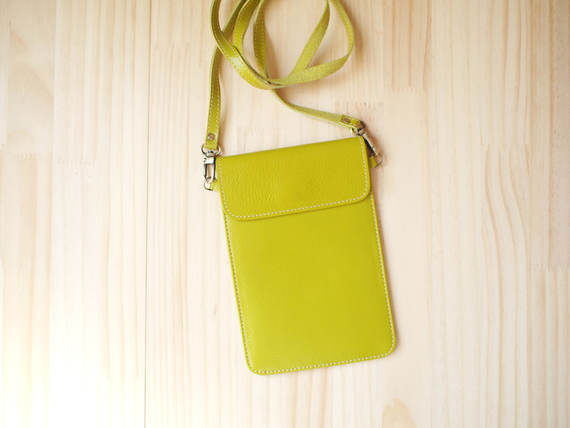 �ѥ��ݡ��ȥХå� Travel Passport leather bag, LIME GREEN