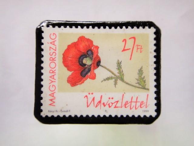 ハンガリー クリスマス切手ブローチ201
