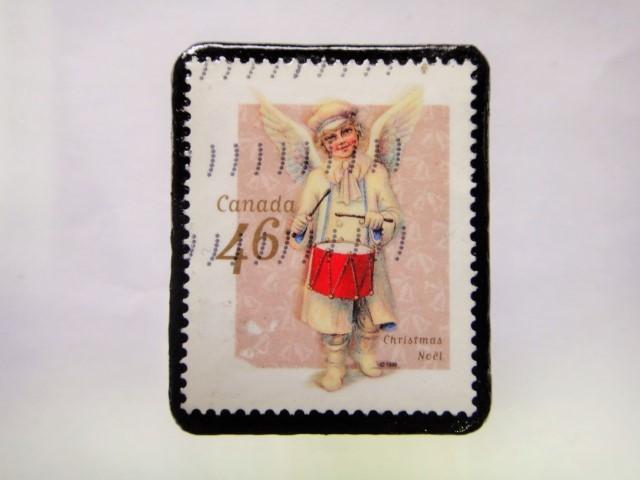 ハンガリー クリスマス切手ブローチ205