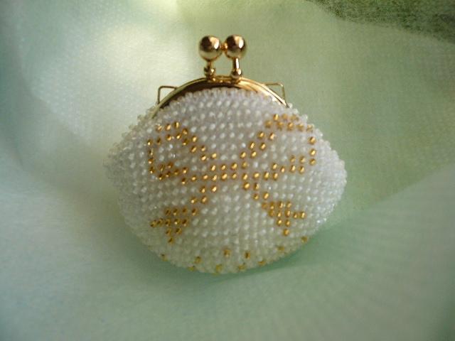 再販 ビーズ編みのちっちゃながまぐち財布 リボン柄