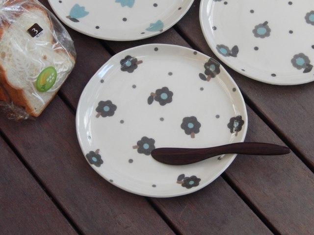 お花のパン皿(黒)