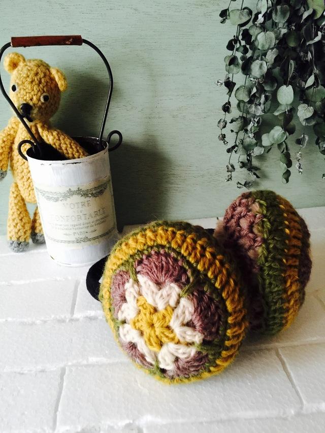 モチーフ編みのイヤーマフ