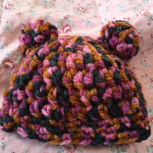 ピンク系クマ耳帽子