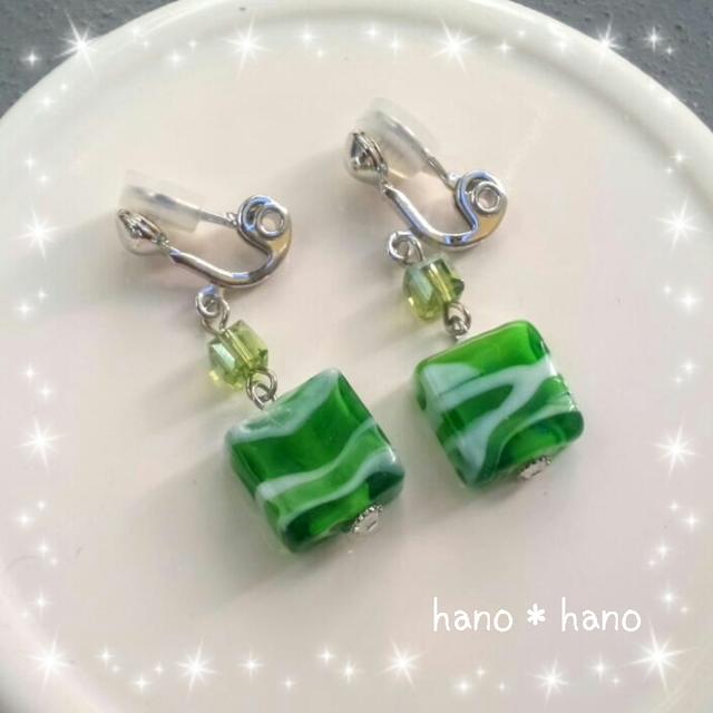 スクエアガラスのイヤリング*緑*