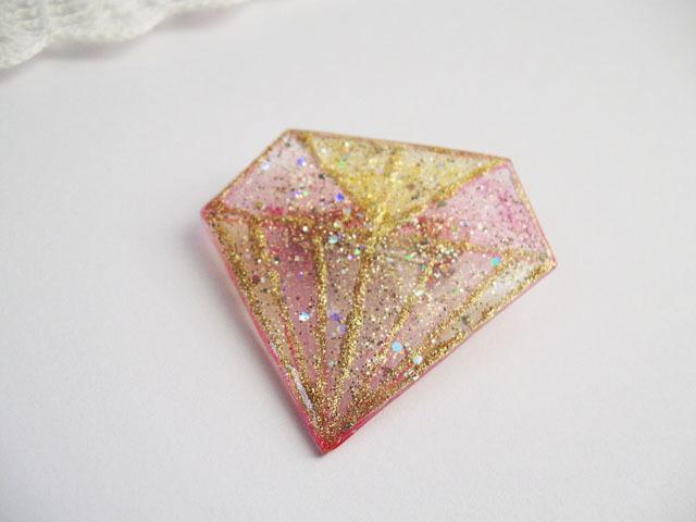 ダイヤモンドデザインブローチ:A