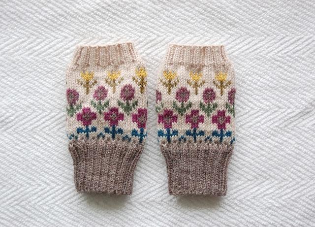手編みの指なしミトン 【野の花】