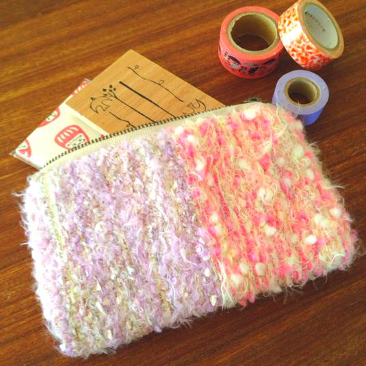 ピンク×紫 引き揃え糸のポーチ