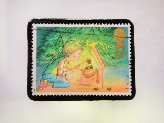 イギリス クリスマス切手ブローチ289
