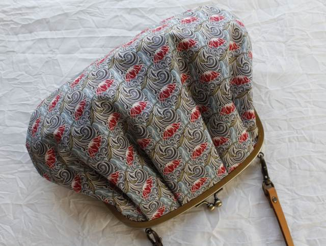 リバティ【テン・シックス】 ぷっくりがま口バッグ