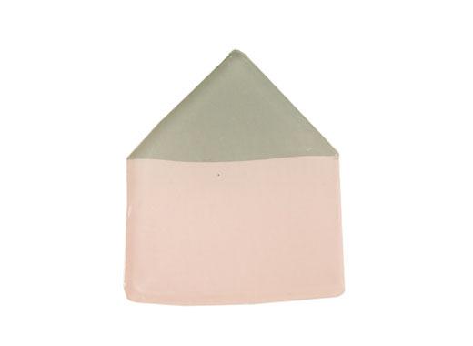グリーン屋根のピンクのおうちブローチ