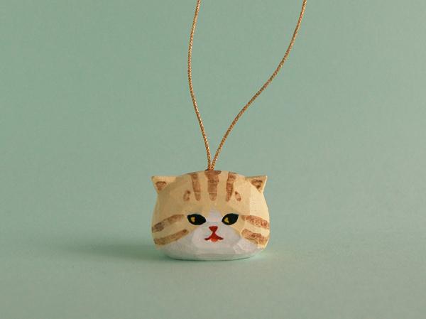 木彫り人形オーナメント クリームトラネコ [MWS-016]