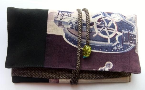 羽織の裏地と泥大島、黒の羽織で作った和風財布712