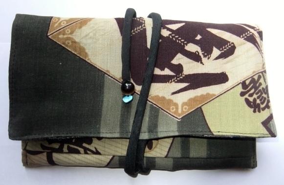 着物リメイク 男性用の長襦袢で作った和風財布 714