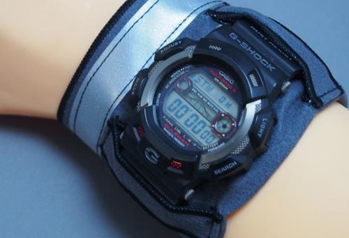 腕時計用の汗とりアームハンカチ(アスリート黒色・反射テープ)