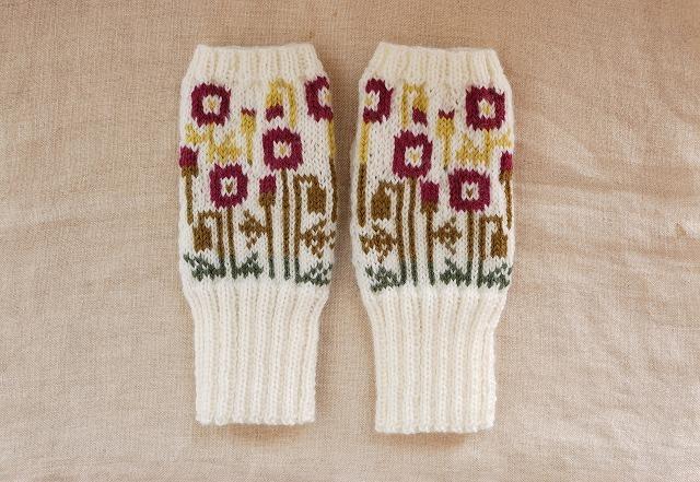 手編みの指なしミトン【ポピー】