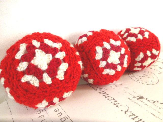 毛糸のボール:red