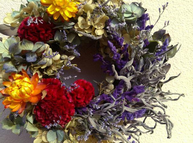 秋の花壇*元気色リース
