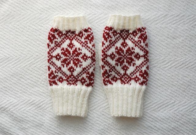 手編みの指なしミトン【冬の赤】 赤×白